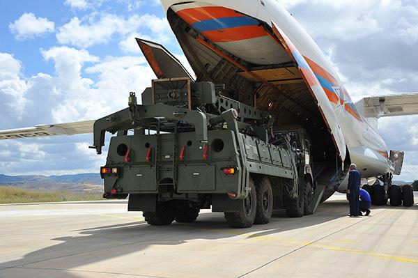 """美土外长通电话,美再表达对土购买S400导弹""""失望之情"""""""