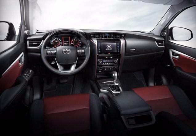 丰田奔跑者,符合国六排放,搭载2.0T发动机,你怎么看?