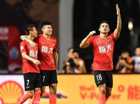 广州恒大踢疯了!5-0狂胜富力,十连胜追平队史连胜纪录!
