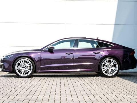 不多见的紫色全新奥迪A7,很漂亮!