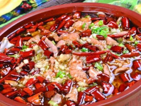 水煮肉片只会用猪肉?换成牛肉更好吃,香辣爽口,肉香滑嫩,过瘾