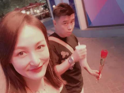 泪目!樊振东进入决赛,王皓老婆更博说心情好,做国乒家属太累!