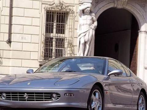 法拉利也有旅行车?20年前就价值千万,难怪它放下了骄傲!