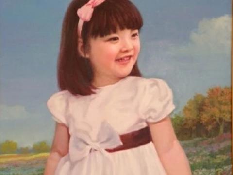 王诗龄每年生日,爷爷都给孙女画一幅油画,看到图4网友给跪了!