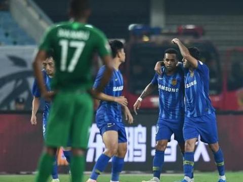 国安爆冷0-1苏宁,10人上港2-2重庆暂列第3,恒大登顶中超榜首