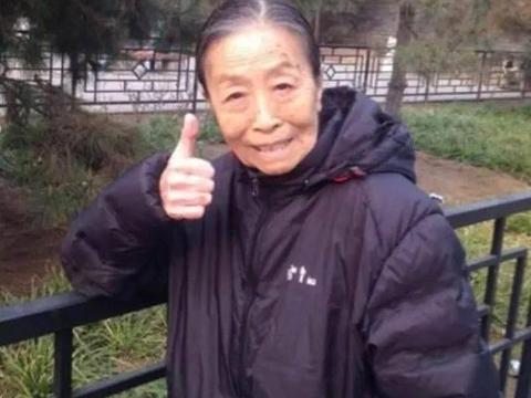 丑娘晚节不保!82岁张少华被曝出丑闻,拒不认错导致形象跌入谷