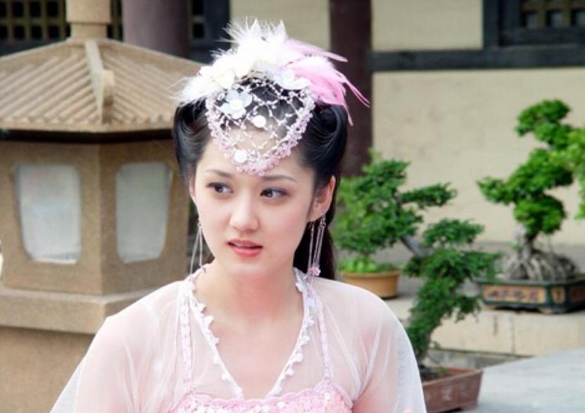 曾红遍中韩就连范冰冰都给她做配,却因嫌弃中国菜难吃,耍大牌