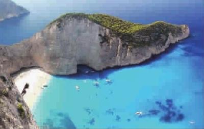 希腊海滩水质优欢迎夏天来游泳