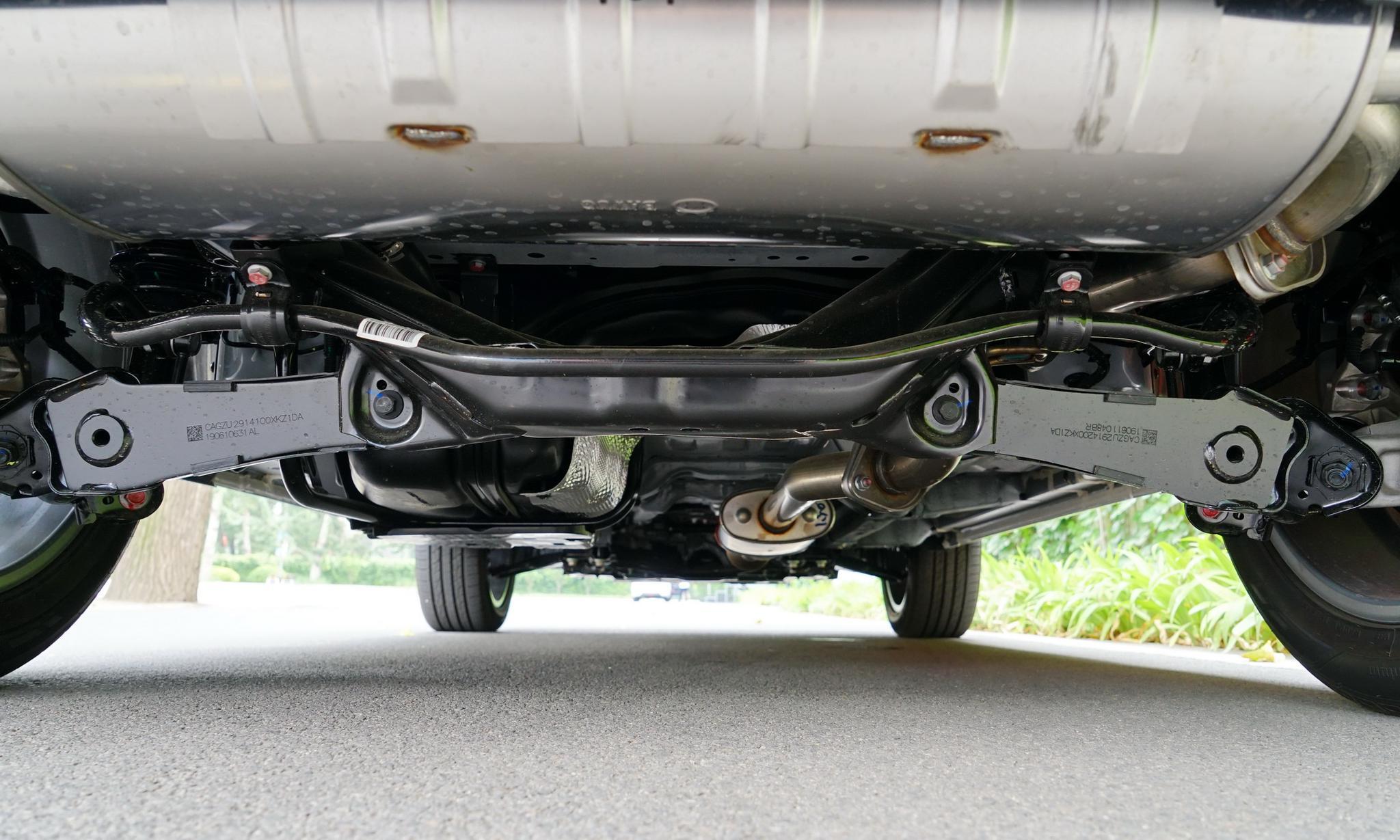 个大量足,不踮脚尖就能买的智联SUV,试驾哈弗H4国六版