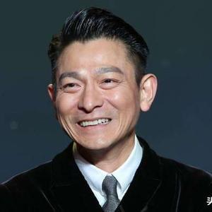 上映18天票房狂轰12亿,刘德华大赚1亿,这位58岁巨星登顶巅峰了