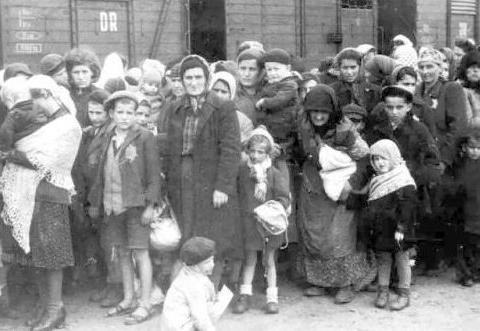 一战后德国穷困潦倒,为什么希特勒一上台,经济却全面复苏?