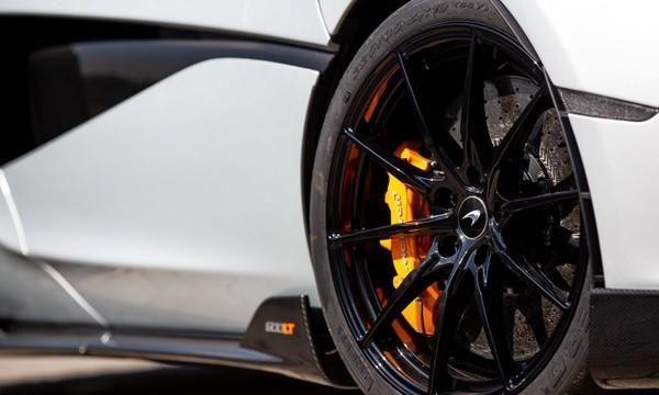还没停产?McLaren最新600LT Coupe客制化超跑是为了纪念