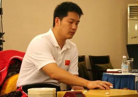 昊在春兰杯中斩获冠军迎来第三个世界冠军一举成为了我国顶尖棋手