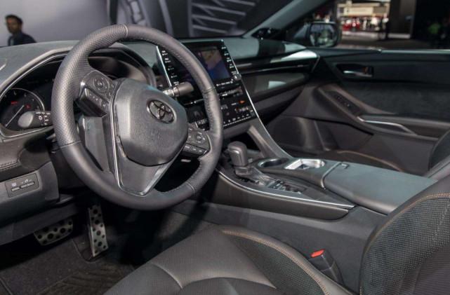 """被称为""""网红车"""",这款丰田亚洲龙表现如何?分享车主用车感受"""