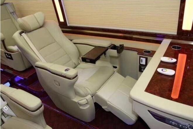 丰田考斯特至尊版11座价格 六缸配置