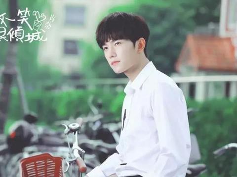 """五大甜宠剧男神:杨洋、胡一天上榜,而他""""绿""""了整个娱乐圈?"""