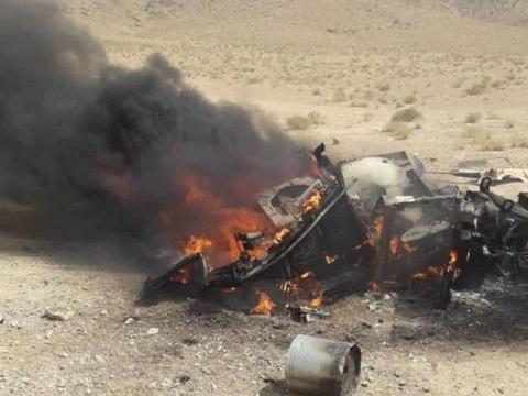 阿富汗政府军快崩溃了,运输车队被袭,物资被塔利班洗劫一空