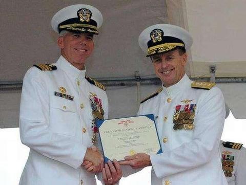 在美国,航空母舰舰长都是什么级别的军官?