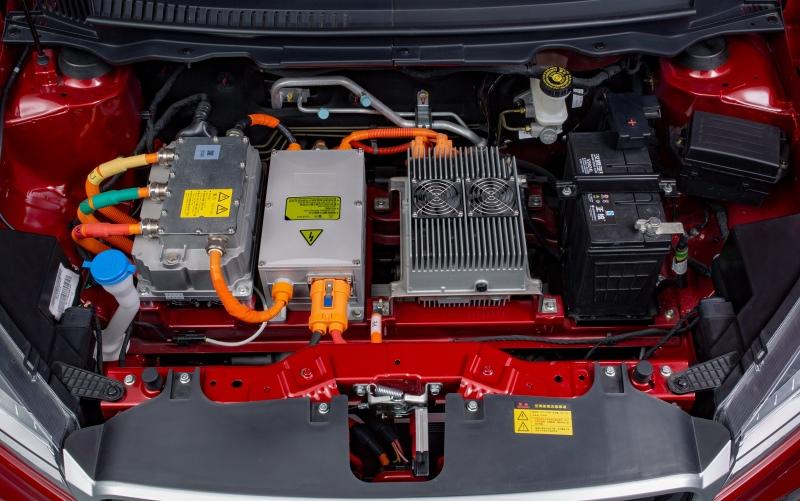 续航310公里 汉腾发布全新纯电动SUV幸福e+官图