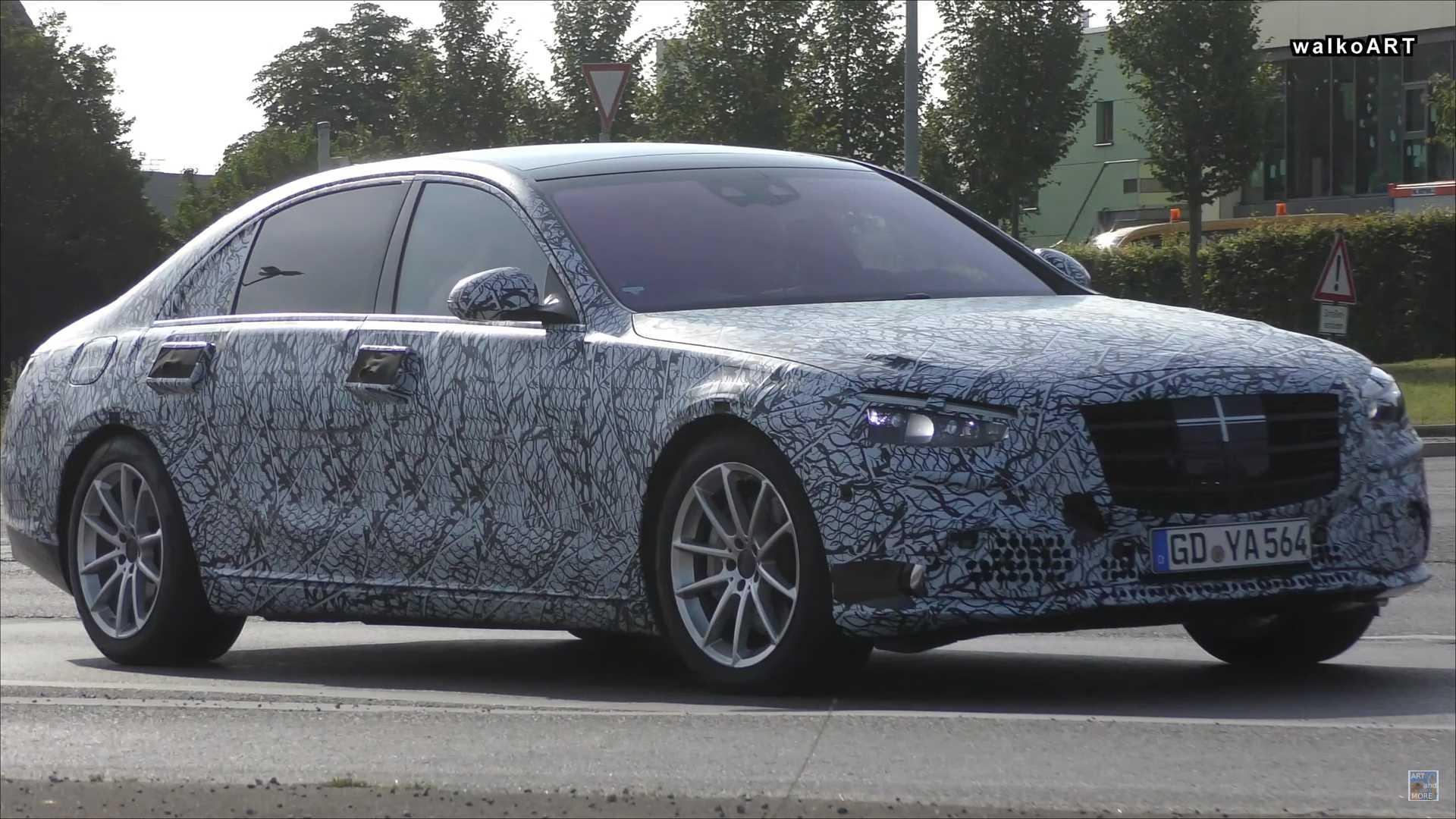 明年5月上市 有望推出混动版/纯电版 全新奔驰S级路测谍照曝光