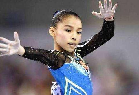 """她在赛场上的专属体操动作名称就是""""商春松腾跃"""""""