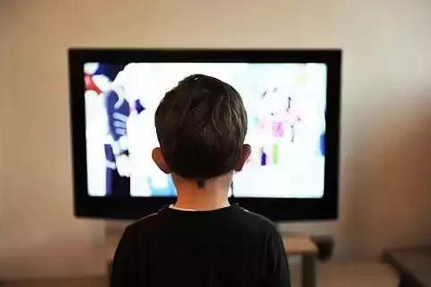 暑期孩子的电视瘾又犯了?聪明宝妈用这5招,快来学学