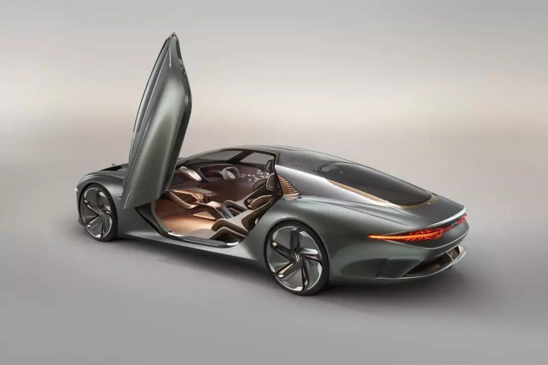 坐上宾利时光穿梭机,带你一睹2035年的汽车