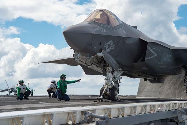 美军五代战机寿命太短?西方盟友被逼买单,俄军:这就是下场!