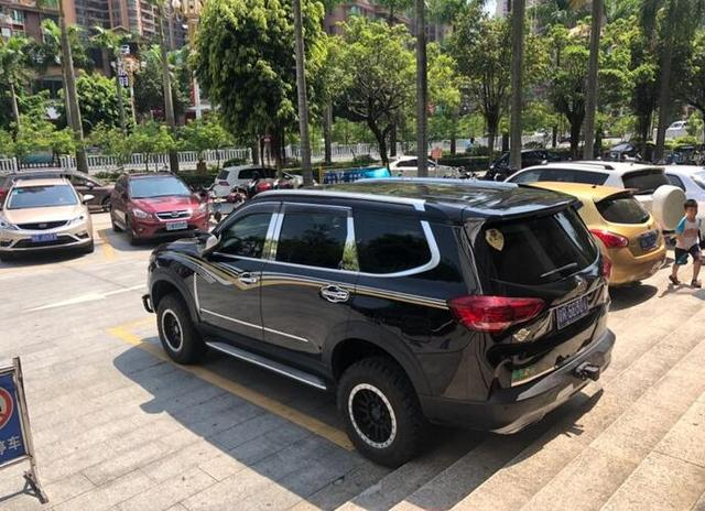 介绍这款中大型SUV比途昂还大,标配LED价格优惠值得入手。