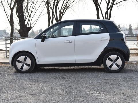 长城旗下的纯电动微型车,欧拉R1,女神标配!