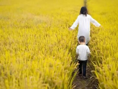 心理测试:哪一对宝宝和妈妈最亲密?测谁在默默的心疼你