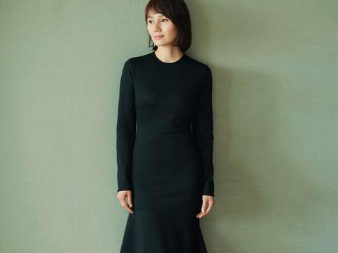 袁泉的穿搭风格多样,加上她独特的气质,都可以穿出不同高级感