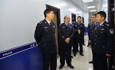 公检法公务员和三甲医院医生,从事哪个职业比较吃香?