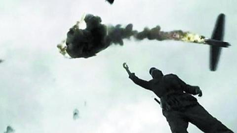 美飞行员为复仇用手枪击落日机