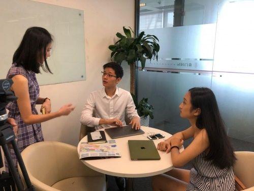 藤门留学上海分公司接受香港TVB无线新闻采访
