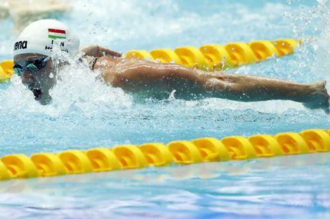 在光州世锦赛上 卡汀卡·霍斯祖获得女子200米混合泳冠军
