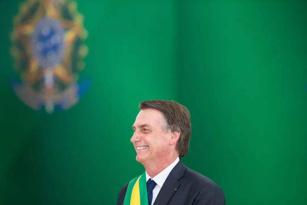 巴西总统办外国媒体早餐会 向中国记者秀中国手表|洛伦佐尼|巴西利亚