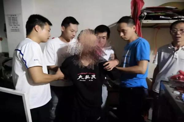 河南省洛阳市伊川县公安局网监大队抓获一名连续盗窃网吧财物的犯罪嫌疑人