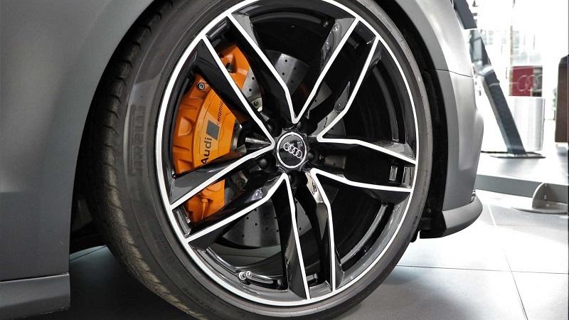 外观霸气 性能暴躁 新款奥迪RS8车型图片曝光