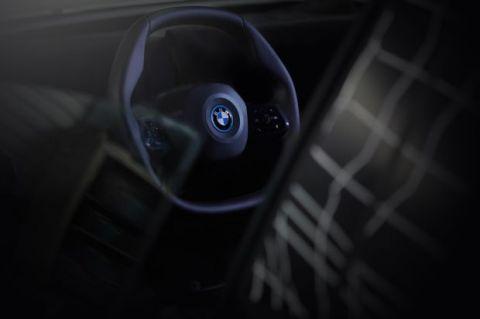 宝马iNext:自动驾驶汽车专用方向盘问世
