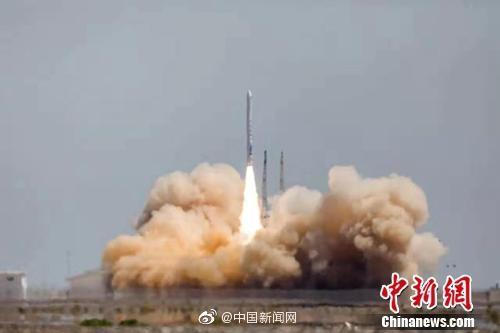 一箭雙星:中國民營運載火箭首次入軌(圖)