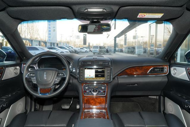 林肯大陆,全时四驱,美式豪华汽车的代表,你怎么看?