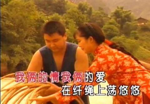 尹相杰为她一直单身,一手捧红大衣哥朱之文,女儿貌美如花似母亲