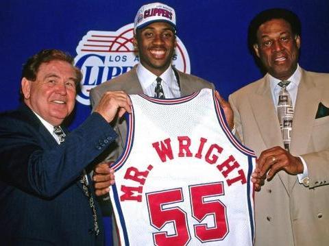 9年前NBA大案宣判!96黄金一代球员惨死,前妻策划谋杀监禁30年