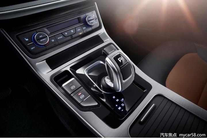 10万预算,吉利VS长安,自主紧凑型优质家轿怎么选?