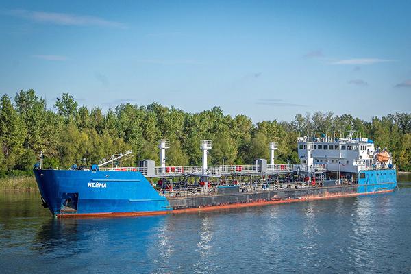俄媒:被乌克兰扣押的油轮未参与刻赤海峡冲突,已三年未运营