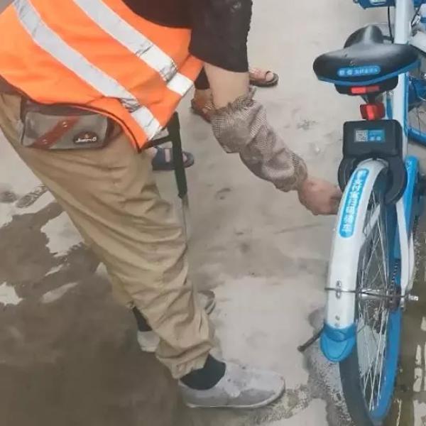工地现近60辆被破坏共享单车 项目部赔偿1.2万元|共享单车