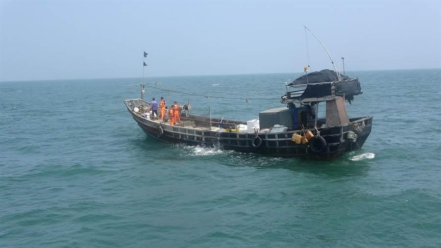 """<b>台当局以""""越界""""为由强行查扣大陆渔船 渔民 马祖</b>"""
