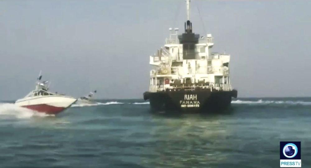 印度外交部:伊朗已释放被扣油轮上9名印度籍船员 伊朗