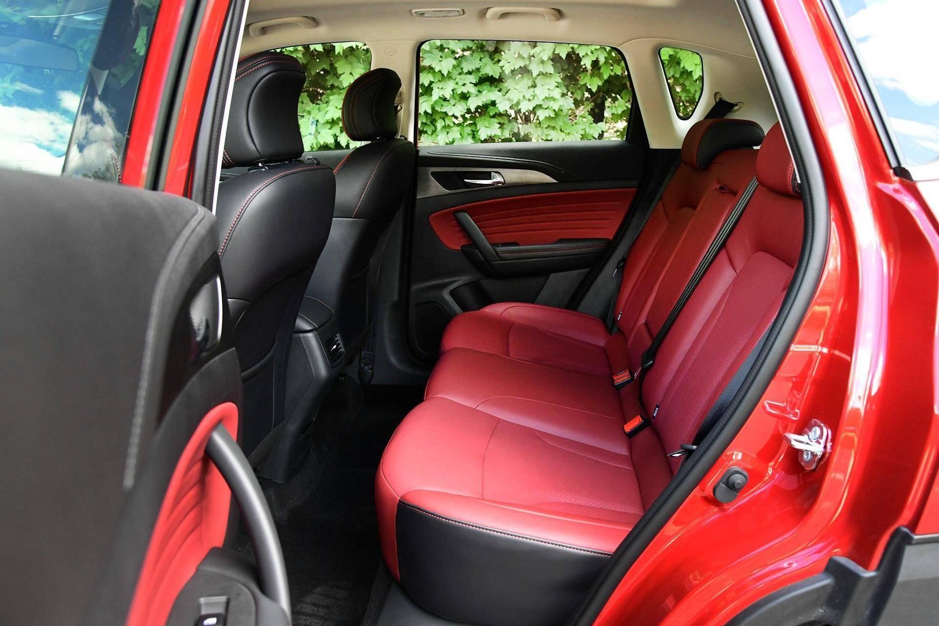 最接近宝骏的小型SUV,德系般高颜值,9万级1.4T入门就是高配